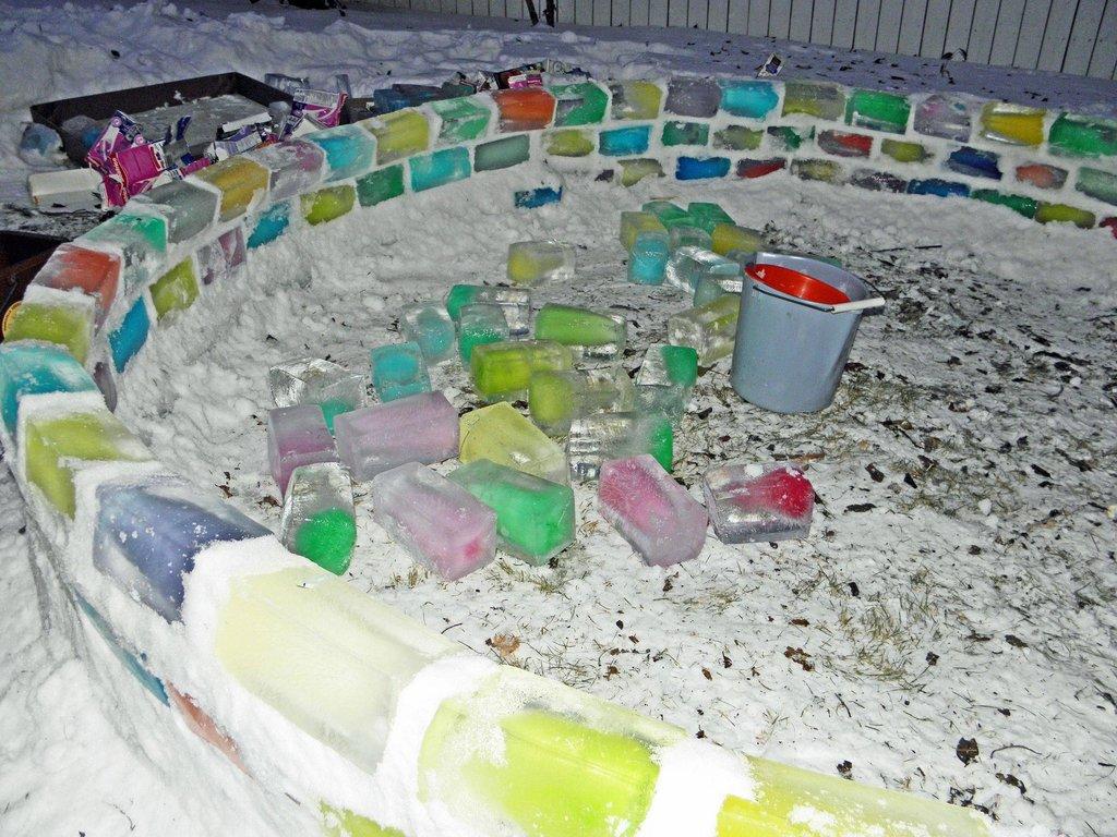colored_ice_igloo_06